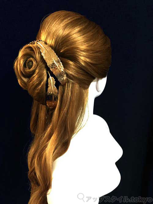 実写版「美女と野獣」ベルの髪型完成イメージ右側です。